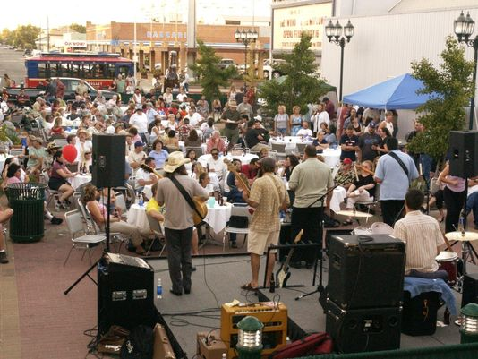 Visalia Times-Delta: Blues, Brews & BBQ with brings cheer with grand return