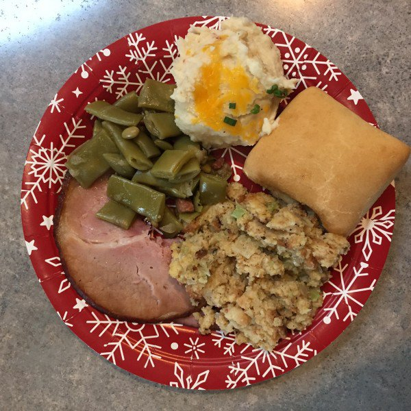 Dickey's Barbecue Pit Holiday Feast Takes the Hassle Out of the Holidays #Giveaway AD